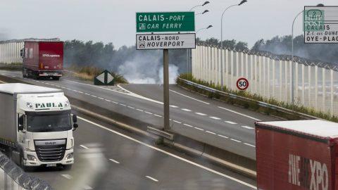 UK To Build Wall at Calais