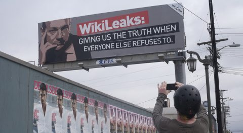 Off With His Internet! Wikileaks Shut Down by Hillary & Obama!