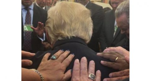 Powerful: Pastors Pray over President Trump in New Photo