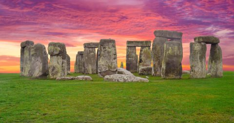 Stonehenge, Child Sacrifice and the British Royal Family